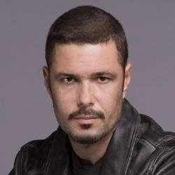 Carlos Bernard - Guest star