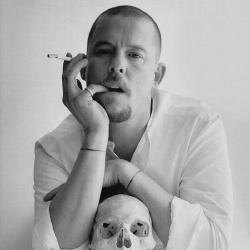 Alexander McQueen - Créateur de mode