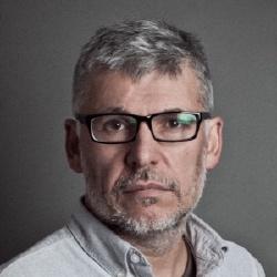 Paddy Breathnach - Réalisateur