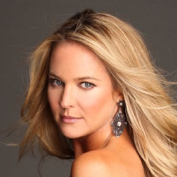 Sharon Case - Actrice
