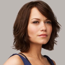 Bethany Joy Galeotti - Réalisatrice, Actrice