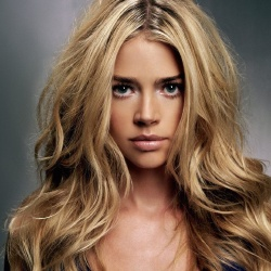 Denise Richards - Guest star
