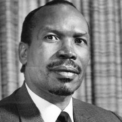 Seretse Khama - Politique