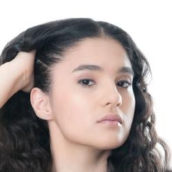 Alondra Hidalgo - Actrice