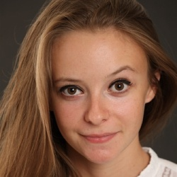 Louison Bergman - Actrice