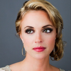 Kelly Sullivan - Actrice