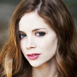 Charlotte Hope - Actrice
