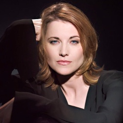 Lucy Lawless - Actrice