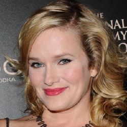 Nicholle Tom - Actrice