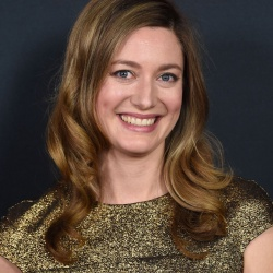 Zoe Perry - Actrice