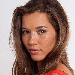 Emilie Broussouloux - Présentatrice