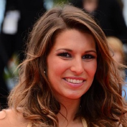 Laury Thilleman - Guest star