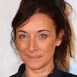 Delphine Serina - Guest star