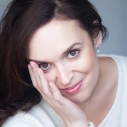 Jennie-Anne Walker - Présentatrice