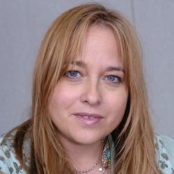 Beatie Edney - Actrice