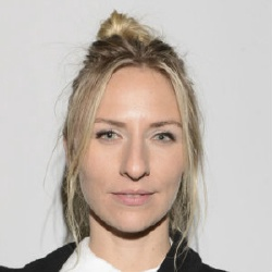 Mickey Sumner - Actrice