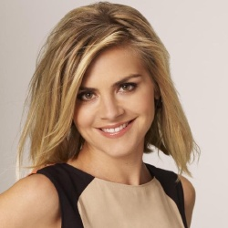 Eliza Coupe - Actrice
