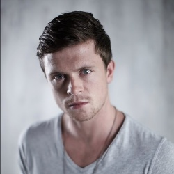 Hugo Johnstone-Burt - Acteur