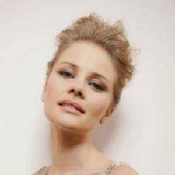 Anita Briem - Actrice