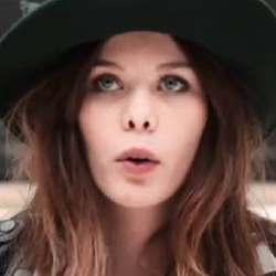 Lou Lesage - Actrice