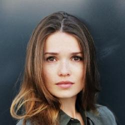 Zoe Moore - Actrice