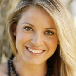 Alexandra Davies - Actrice