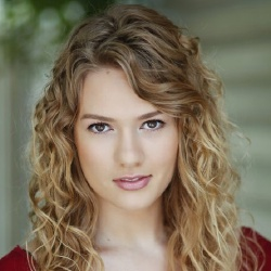 Tori Anderson - Actrice