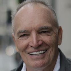 Tom Bower - Acteur