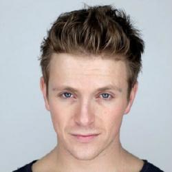 Charlie Bewley - Acteur