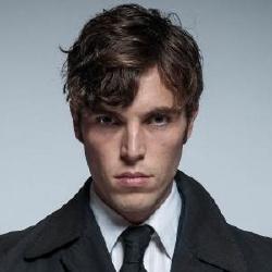 Tom Hughes - Acteur