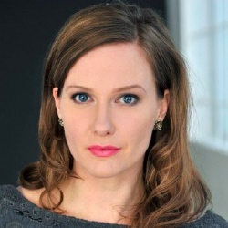 Emily Holmes - Actrice