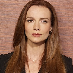 Saffron Burrows - Actrice