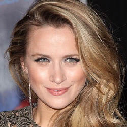 Shantel VanSanten - Actrice