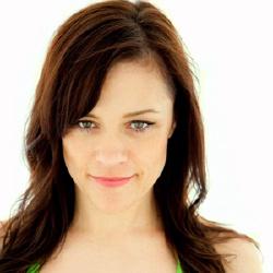 Christine Elise - Guest star