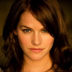 Kelly Overton - Actrice