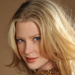 Emma Booth - Actrice