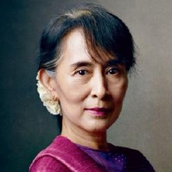 Aung San Suu Kyi - Politique
