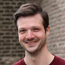 Adrian Pflug - Présentateur