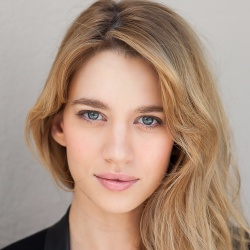 Yael Grobglas - Actrice