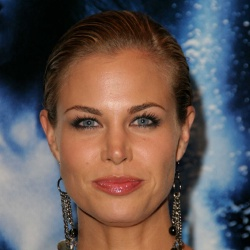 Brooke Burns - Actrice