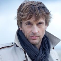 Didier Gustin - Guest star